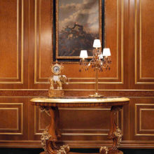 Opera - Consolle sagomata curva in massello di tiglio intagliata a mano con piano marmo Emperador Brown