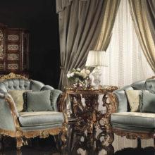 Italian Landscape - Living Room - Uno spazio con diverse variazioni di stile in cui condividere e comunicare, un luogo in cui lasciarsi andare alla confidenza, preziosamente avvolti da un abbraccio di tessuti e broccati riccamente lavorati