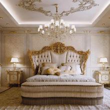 Master Bedroom - Forme della più genuina tradizione del mobile d'arte e delicati intagli eseguiti nel legno massello, fanno di questo letto un'opera d'arte. Una proposta che esprime prestigio e grande manualità, dove nulla è lasciato al caso, dagli accostamenti cromatici, al comfort, all'emozione